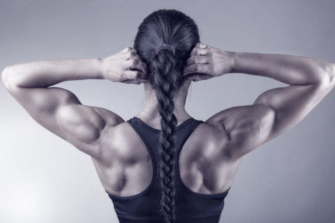 女人肩膀性格和命运分析