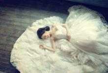 梦见穿婚纱