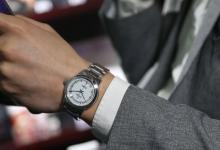 梦见戴手表