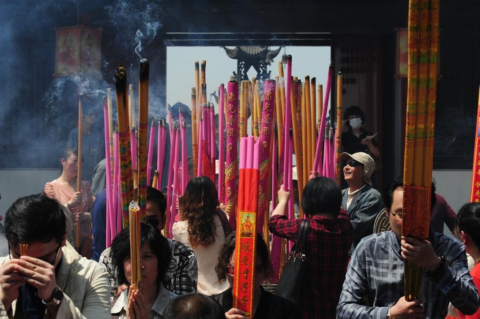 熊猫烧香李俊_雍和宫烧香_烧香