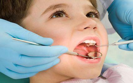 孩子换牙八字牙