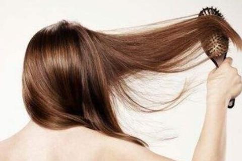 梦见梳头发是什么预兆?