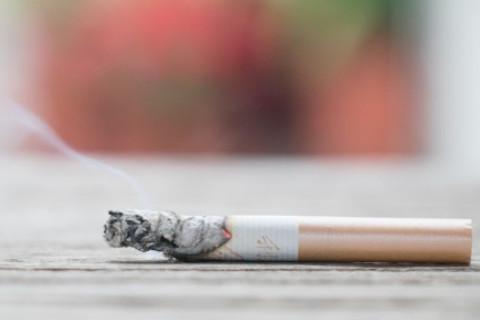 梦见自己抽烟是什么预兆?