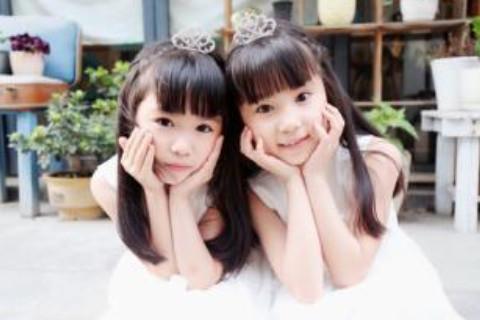 100分女孩双胞胎名字