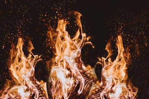 梦见火是什么意思 火主财钱财滚滚来